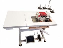 Rubina RB-700B 2-adatu, 4-diegu rūpnieciskais overloks, aprīkots ar iegremdēto galdu